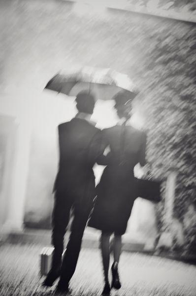 Couple_in_the_rain_Karl_Lagerfeld_Villa_2016_760x1146.jpg