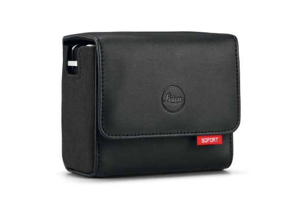 Leica-Sofort_Bag_black584952409f8fc.jpg