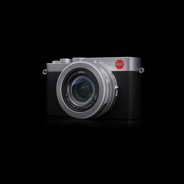 Leica%20D-Lux7_on%20black.LoRes.RGB.jpg