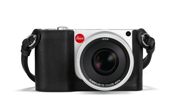 Leica-TL-silver_Protector_black_Riemen_black_RGB.jpg