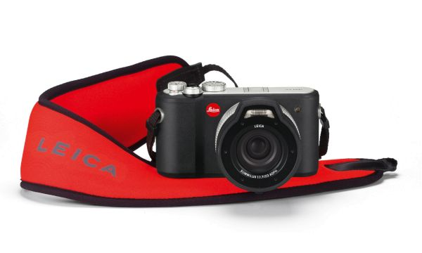 leica_x-u_floating_carrying_strap1572723dcd2c5758afe0baa2276.jpg