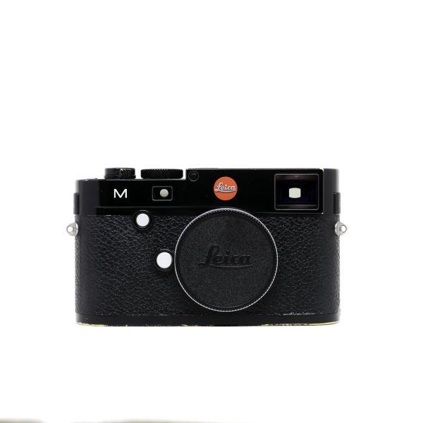 Leica%20M%20Typ%20240%20Black%20Front.jpg