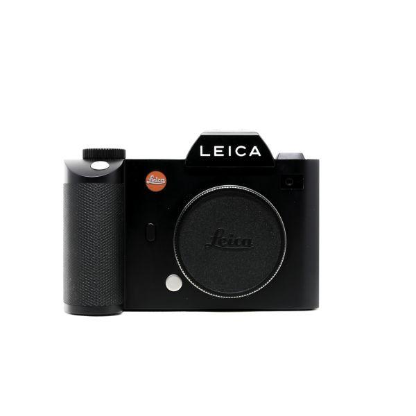 Leica%20SL%20Front.jpg