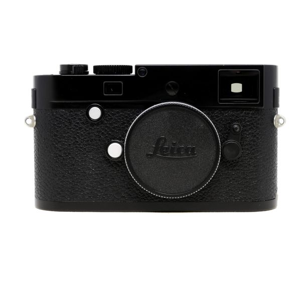 Leica%20M-P%20Typ%20240%20Black%20Front.jpg