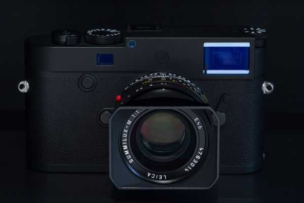 Leica M10 Monochrom + SUMMILUX-M 35 мм, f/1.4, ASPH., черный